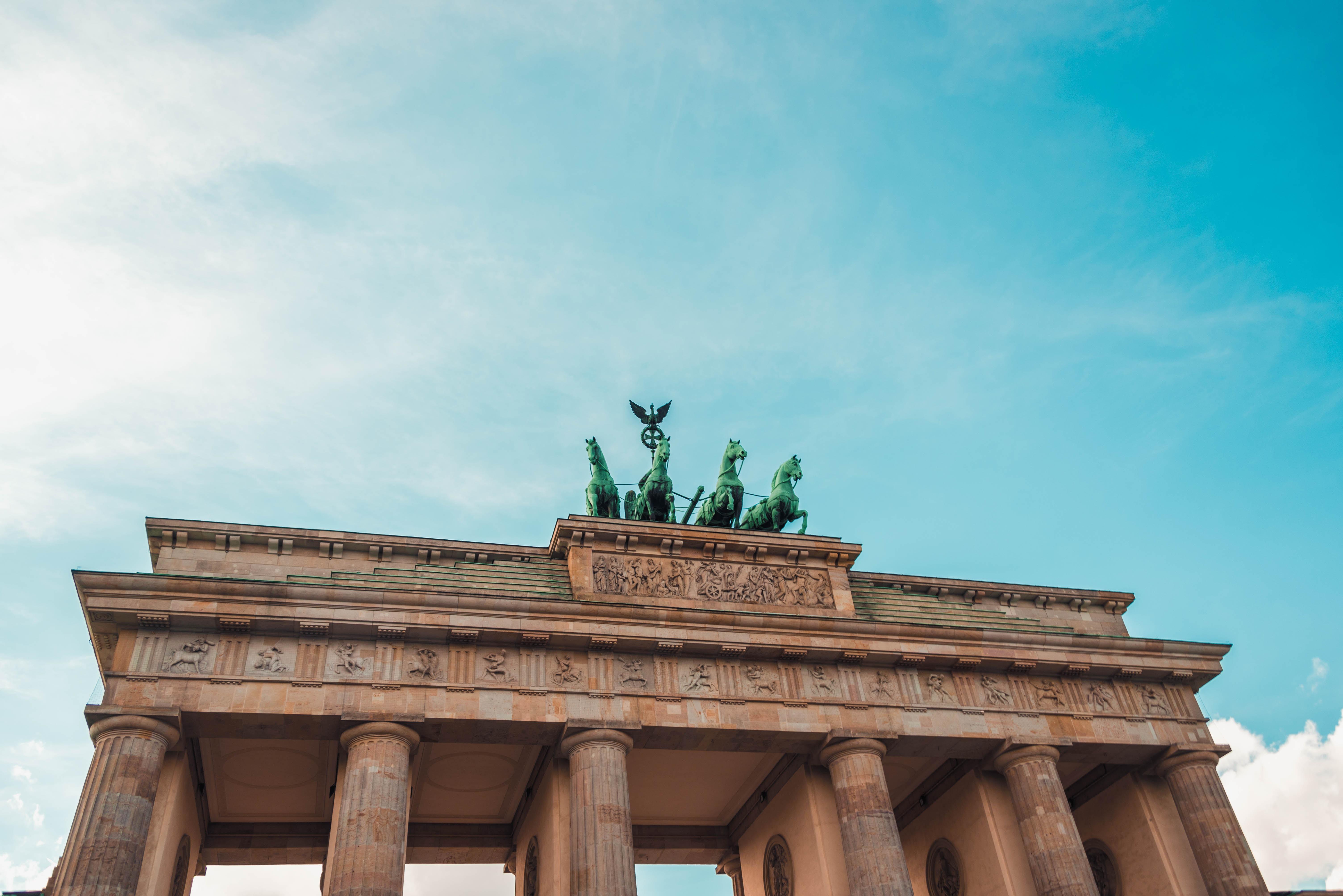 """""""Übergänge"""" Symposium an der IPU Berlin"""